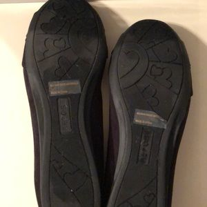 Report Shoes - WORN ONCE WOMENS FLATS